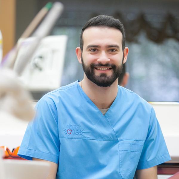 Xαράλαμπος Κ. Συμεωνίδης | Χειρουργός Οδοντίατρος DDS