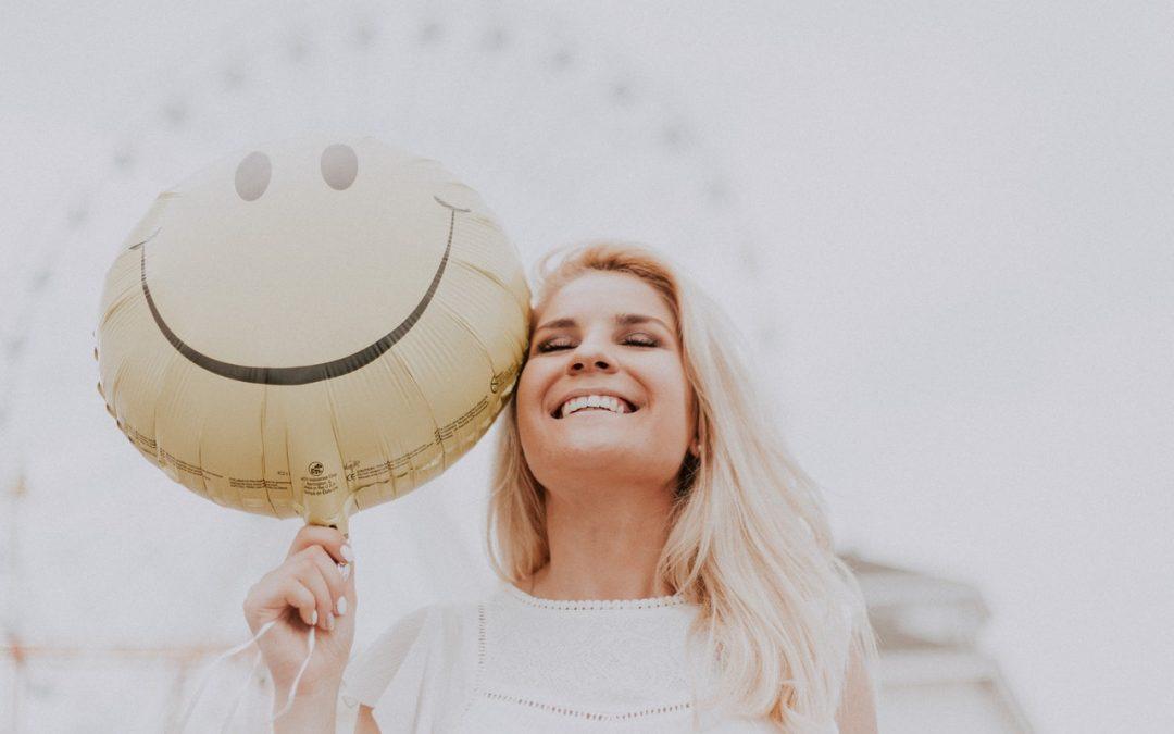 Πως να το αποκτήσετε λευκό χαμόγελο το καλοκαίρι
