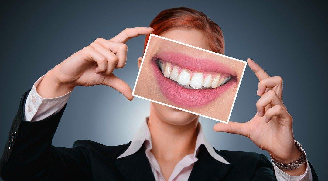 Εσωτερική Λεύκανση: Η θεραπεία του δυσχρωμικού δοντιού